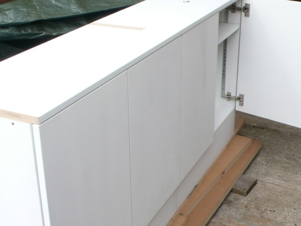 White painted MDF cabinets - DIY Wardrobes Information Centre